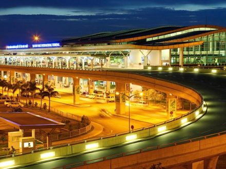 Taxi From Ho Chi Minh Airport To Ho Chi Minh - Nha Trang Airport